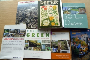 Books on green roofs (3)