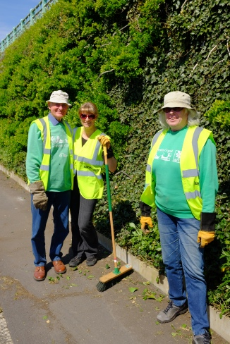 Happy Green Gymers after a hard morning's work at Madeira Drive green wall